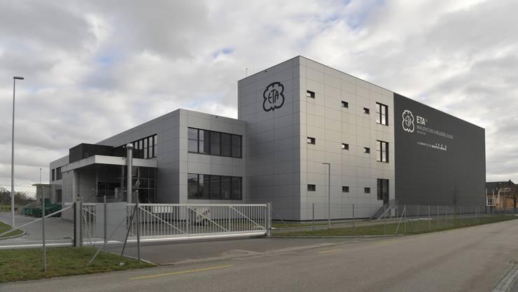 Die  Zifferblattfabrik an der Flughafenstrasse gehört heute innerhalb des Swatch Konzerns zu Rubattel&Weyermann.