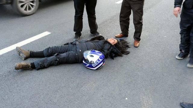 Filiz Inal kurz nach dem Unfall. Die Ärzte im Spital kämpfen um ihr Leben. Foto: DHA