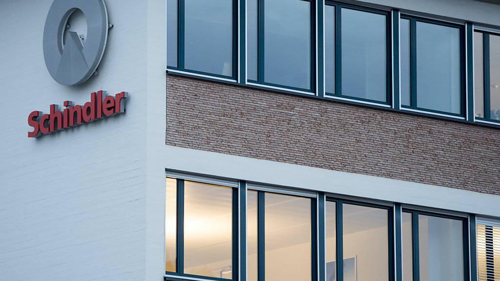 Der Lift- und Rolltreppenhersteller Schindler hat von Januar bis September rund 10 Prozent mehr Gewinn eingefahren. (Archiv)