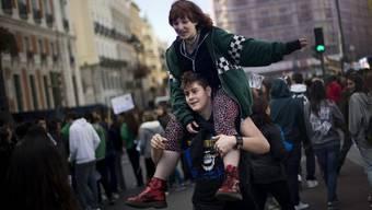 Spanische Studierende demonstrieren am Mittwoch in Madrig gegen die Sparmassnahmen im Bildungssektor