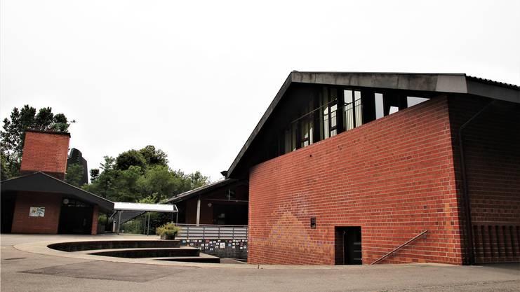 Die Schulanlage Hellmatt in Wildegg. Im Gang dieser Schule attackierte der Schüler seine Lehrerin. (Bild: Frederic Härri)