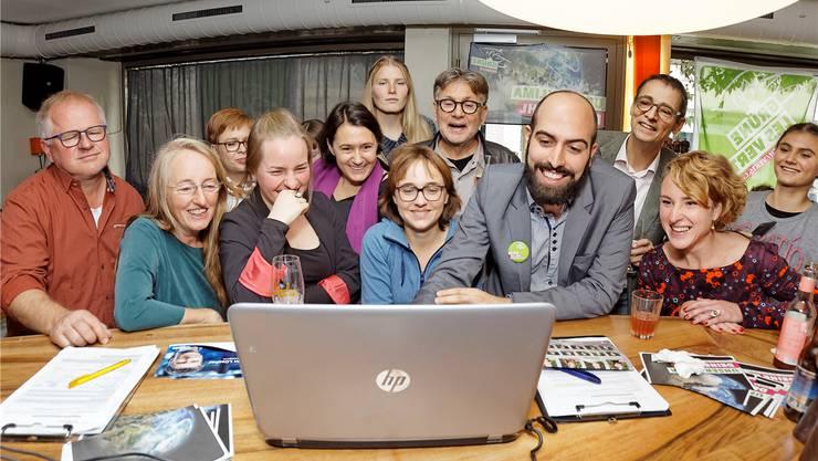 Freude bei den Grünen über die Wahl von Irène Kälin (vorne rechts).