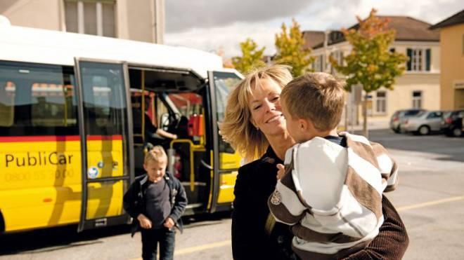 In Sion könnte sich das Smartphone schon nächstes Jahr um das Ticket der Postauto-Gäste kümmern. Foto: INFO@OPLADEN.CH