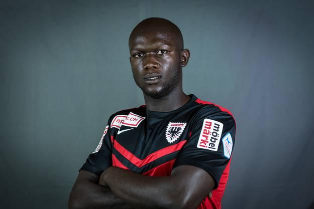 Hatte enorme Mühe mit Gegenspieler Gül. Immerhin war Nganga am Schluss in der Offensive präsent, aber glücklos.