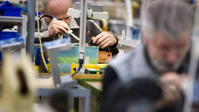 Hohe Arbeitslosenquoten wird es vor allem in der Exportindustrie in den Bereichen  Maschinen, Apparate und Elektronik geben. (Themenbild)