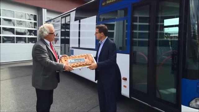 Der az-Wahlkampfbus fährt los