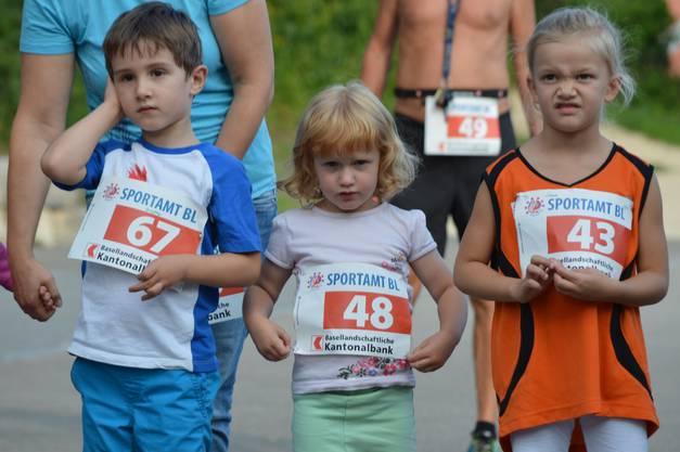 Die jüngsten Teilnehmenden am Edleten Waldlauf liefen eine Strecke über 440 Meter.