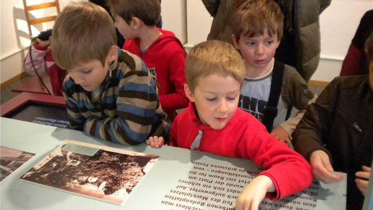 Die Familienführung im Museum machte den Kindern viel Spass. nsg