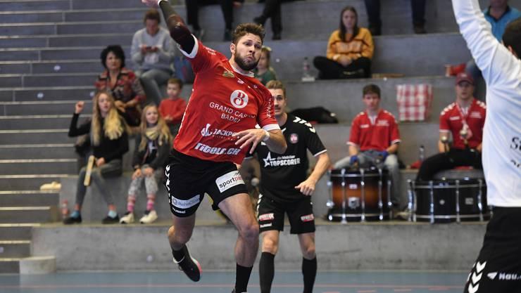 TVE-Spieler Marius Moser im Abschluss.