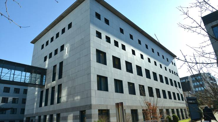 In der Baselbieter Hauptstadt verfügt das Bezirksgefängnis auf dem Gutsmatte-Areal über 31 Plätze für Untersuchungs- und Kurzzeithäftlinge. Davon sind, Stand gestern Dienstag, 29 belegt.
