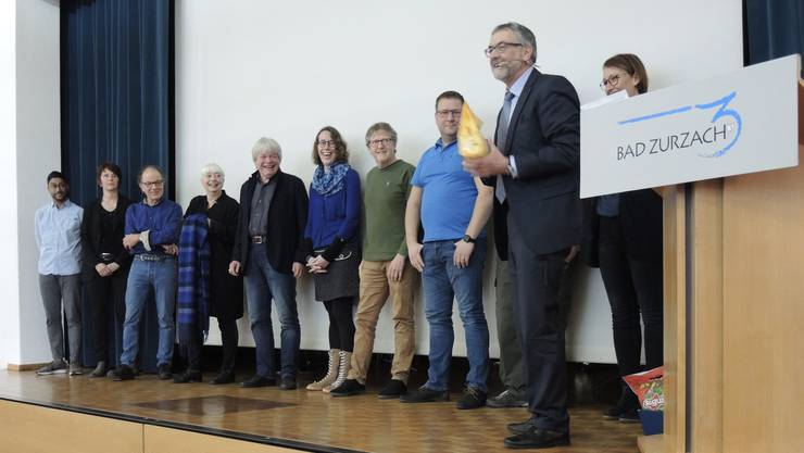 Bernhard Scheuber, Gemeindeamman, (rechts) mit einem Grossteil des OK fürs Fleckenfest 2020.