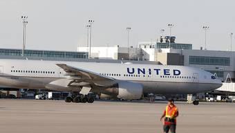 Boomender Flugverkehr: Die US-Fluggesellschaft United Airlines verdoppelte den Gewinn im zweiten Quartal. (Archivbild)