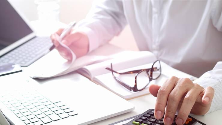 Die Chefarztlöhne sind Thema im Kantonsrat. Symbolbild
