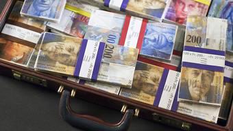 Niemand weiss, wie viel Geld an den Steuerbehörden vorbei geschmuggelt worden ist. Dank der kleinen Steueramnestie, die in der Schweiz seit 2010 gilt, sind fast 25 Milliarden Franken wieder ans Licht gekommen. (Symbolbild)