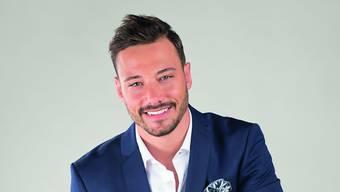 Er ist der neue Bachelor: Clive Bucher ist 26 Jahre alt, tätowiert und ein Geschäftsmann aus dem Kanton Aargau.