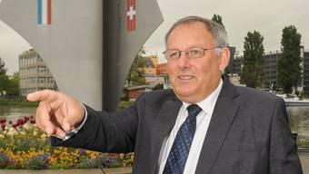 Schlug das Dreiländereck als Fotohintergrund vor: Der pensionierte Grenzwächter Eduard Rutschmann. Martin Töngi