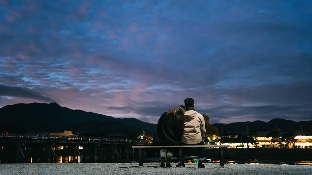 Fertig mit Spaziergängen: So datest du während Corona
