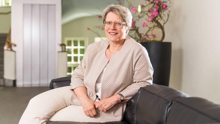 Wäre die erste Frau an der Spitze der Schweizer Reformierten: Rita Famos in ihrem Büro.