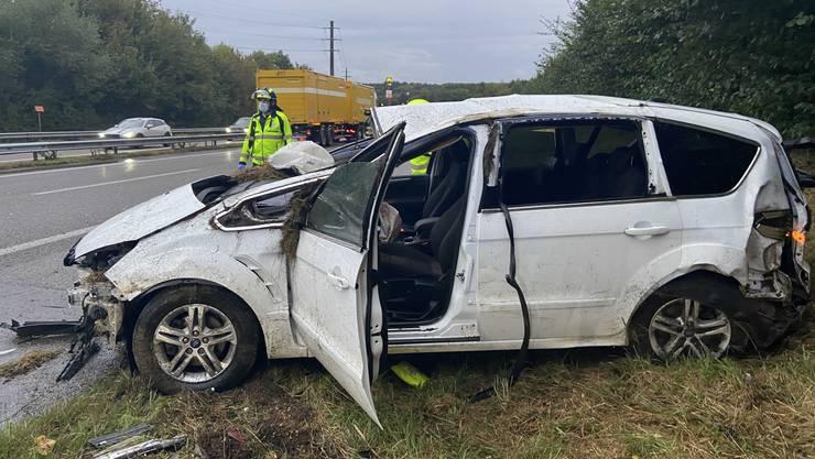 Kölliken AG, 25. September: Ein 24-jähriger will auf der Autobahn überholen und schwenkt dabei erst nach links, dann nach rechts. Dabei stösst er ein anderes Auto vom Normalstreifen. Es überschlägt sich und der Lenker wird verletzt ins Spital gebracht.