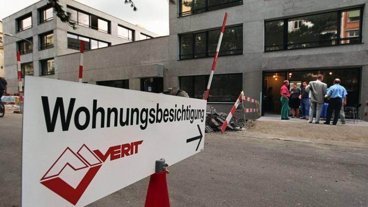 Aus über 1,5 Millionen Kaufinseraten für Wohnungen und Häuser erhoben die ETH Zürich und der Internet-Vergleichsdienst comparis.ch Daten zu den Preisen. (Archivbild)