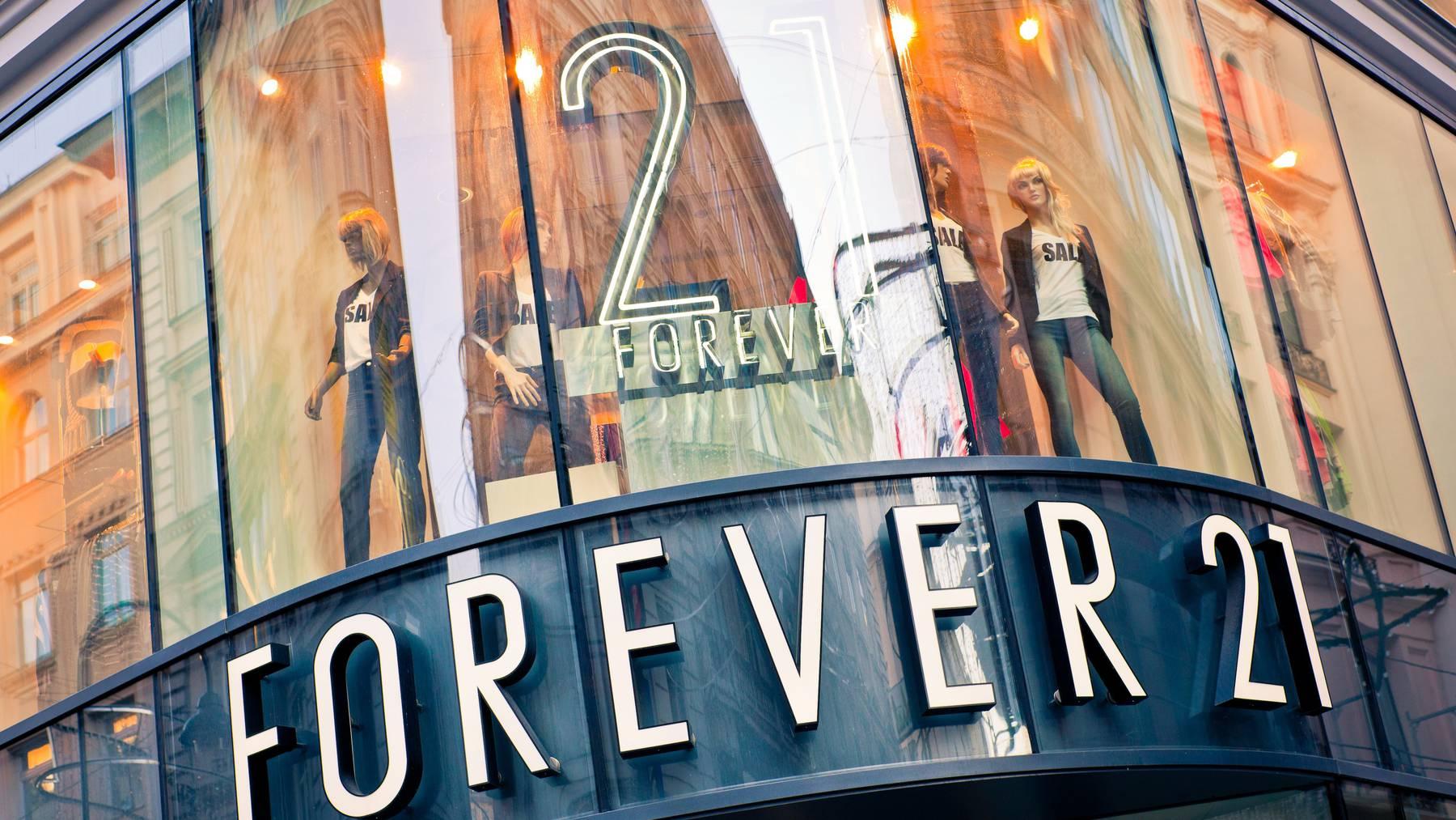 Forever 21 gerät zwischen die Fronten.
