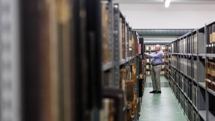 Der Herr des Archivs, Andreas Fankhauser, im Labyrinth Staatsarchiv.