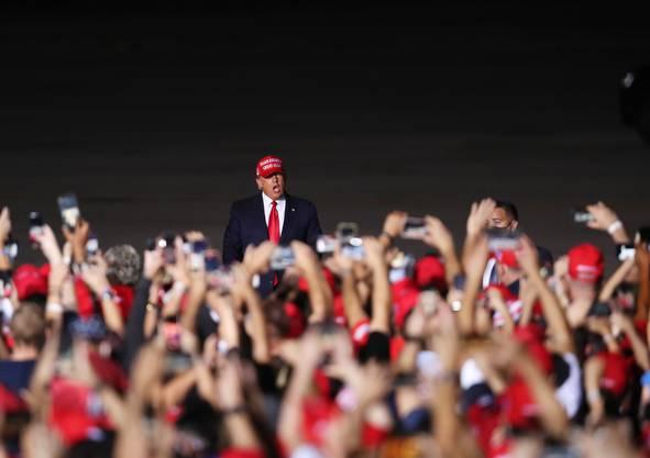 Donald Trumps Bilanz als Präsident ist durchzogen. Seine Anhänger aber bleiben ihm treu.