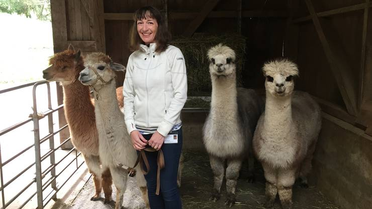 Ergotherapeutin Berit Winkler setzt auf tierische Unterstützung.