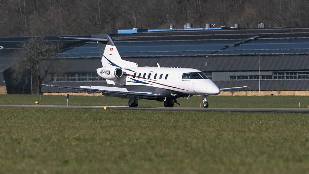 Der PC-24-Jet darf künftig auf allen Naturpisten starten und landen. (Archivbild)