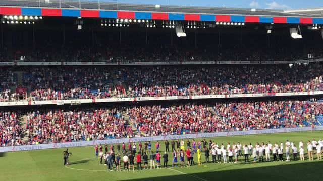 Matias Delgado bedankt sich auf Deutsch bei den Fans.