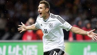 Miroslav Klose feiert seinen 68. Länderspieltreffer