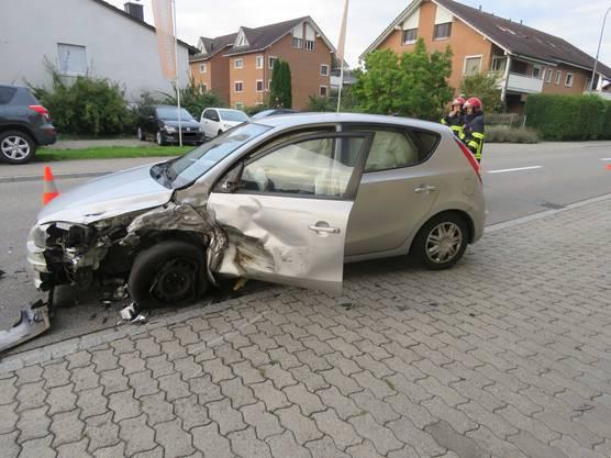 Patrouillen der Kantonspolizei und der Regionalpolizei rückten an die Unfallstelle aus.
