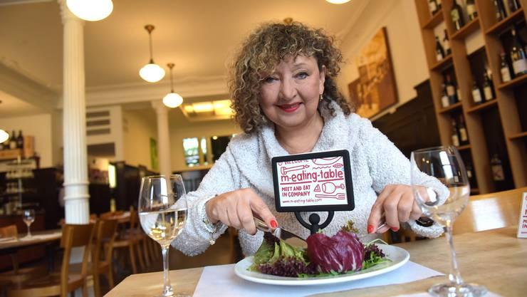 Miss Paprika geht gerne essen - und sitzt immer am «meating table».