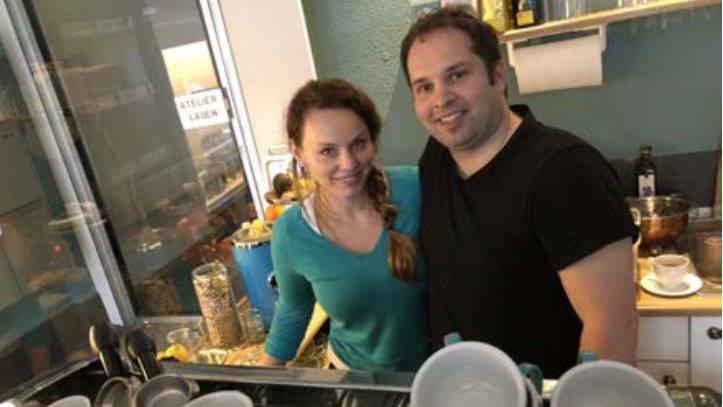 Sylvia Vonlanthen und Partner Yves im Café Vonlanthen