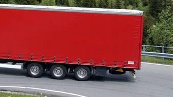 Polizei fahndet nach dem Lastwagen mit dem süssen Inhalt (Symbolbild)