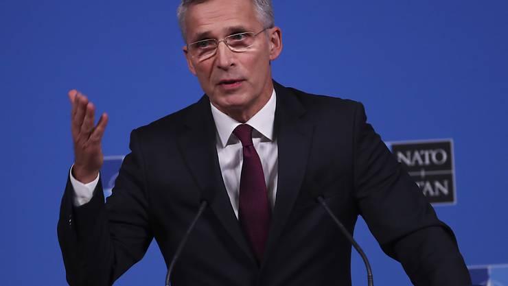 Nato-Generalsekretär Jens Stoltenberg zeigt sich bereit, die Wogen mit Russland zu glätten. Er bringt ein Treffen mit Kreml-Chef Wladimir Putin ins Spiel. (Archivbild)