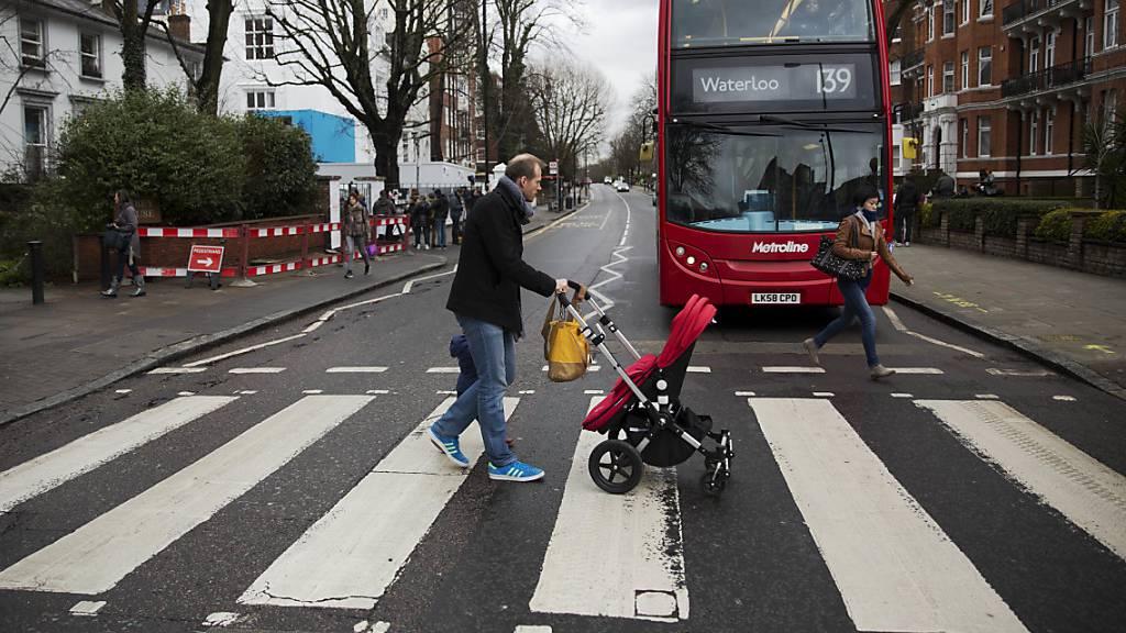 «Abbey Road» stürmt erneut die britischen Charts