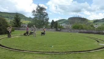 Auf dem Gelände des alten Friedhofs in Frick entsteht ein rundes Labyrinth.