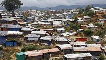 Die Uno ruft zu Spenden für geflüchtete Rohingya auf. Im grössten Flüchtlingslager in der Grenzregion bei Cox's Bazar leben mehr als 625'000 Menschen. Die Region liegt in einem Gebiet, das immer wieder von Unwettern heimgesucht wird.