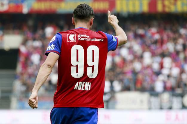 Daumen hoch: Kemal Ademi trainiert bereits wieder mit der Mannschaft.
