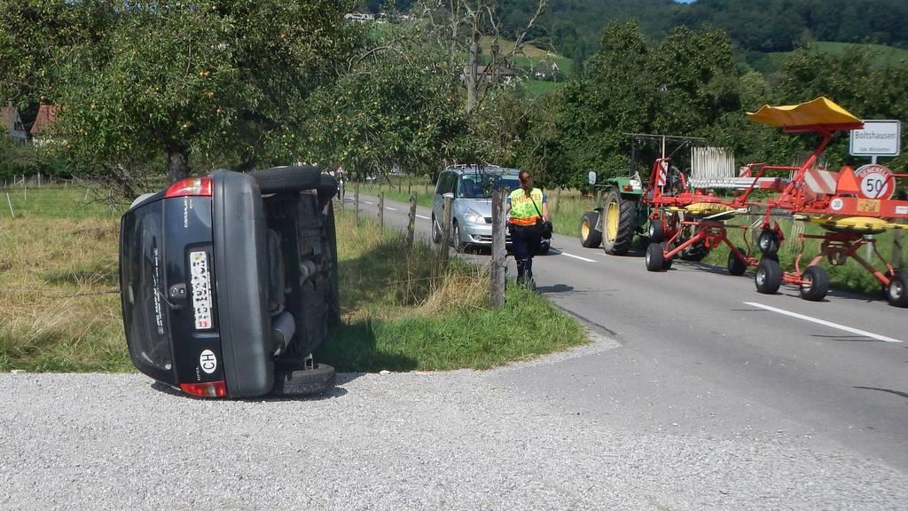 Durch die Kollision kippte das Auto zur Seite, die Lenkerin wurde leicht verletzt.