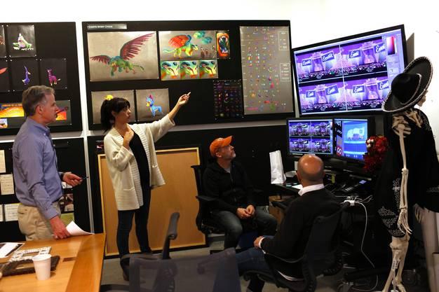 Die Story-, Design- und Animationsabteilungen treffen sich regelmässig, um alle Facetten des Films untereinander abzustimmen.