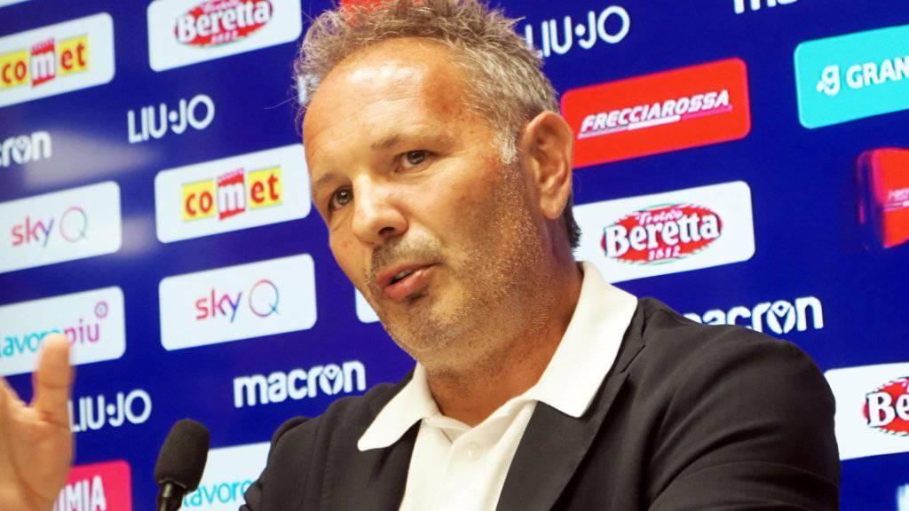 Bolognas Trainer Sinisa Mihajlovic gab an einer Pressekonferenz bekannt, dass er an Leukämie erkrankt ist