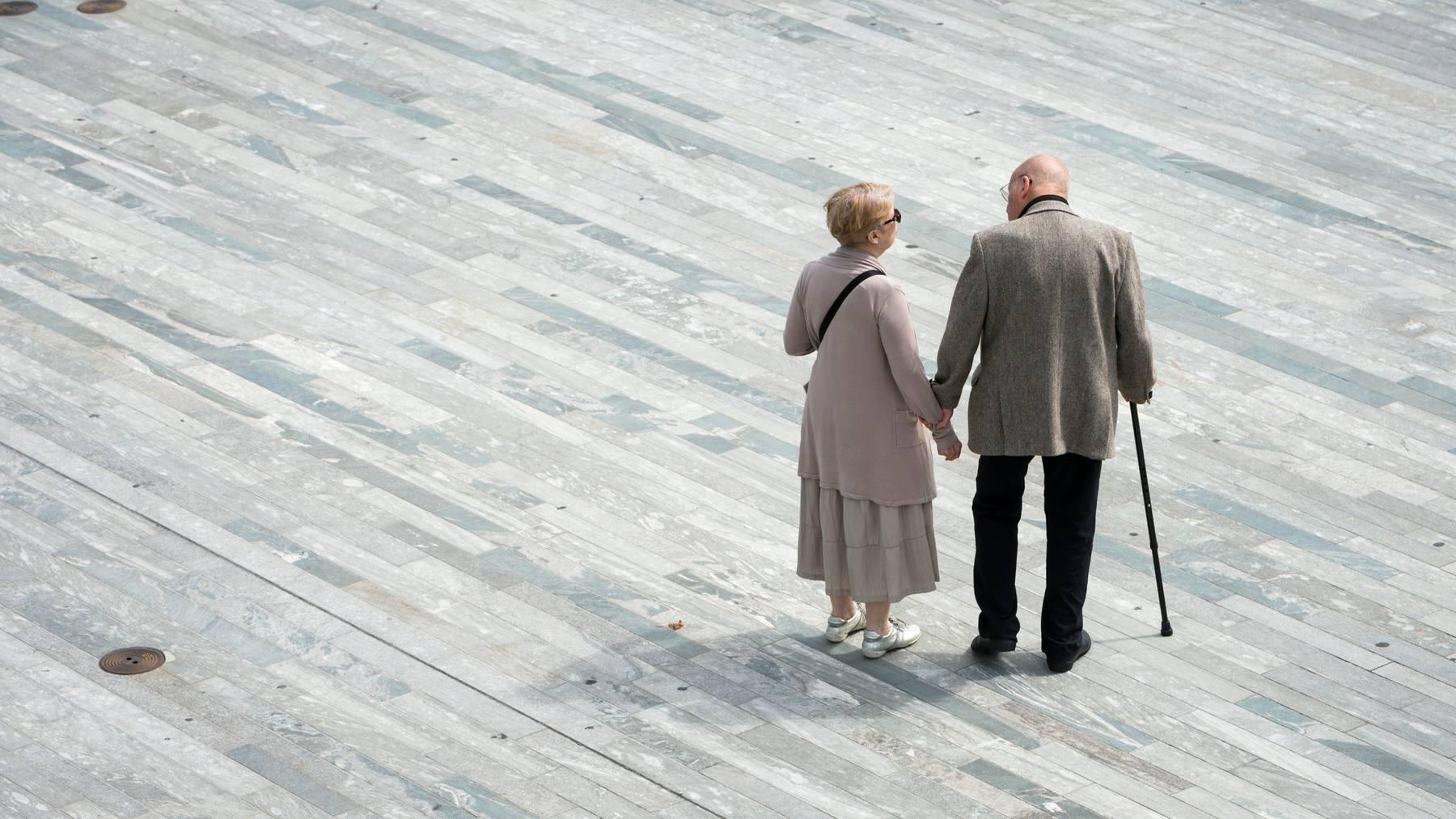 Obwohl der der Deckungsgrad der Pensionsverpflichtungen in den führenden Schweizer Unternehmen gestiegen ist, bleiben die Aussichten wegen der Coronakrise getrübt (Symbolbild)