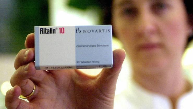 Mit dem Medikament Ritalin werden gewöhnlich Kinder behandelt, die unter einem Aufmerksamkeitsdefizit leiden.