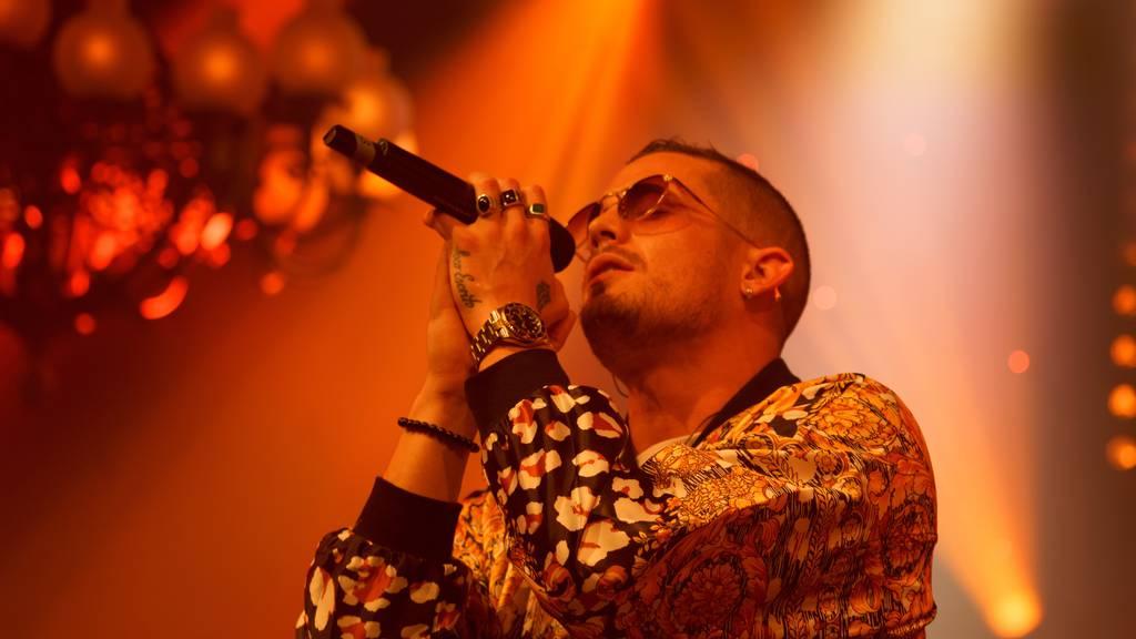 Auch seinen aktuellen Hit «Amame» kannst du bewerten: Loco Escrito.