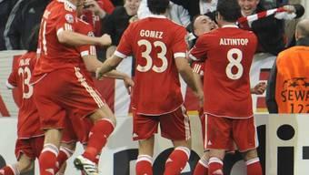 Jubelnde Bayern nach dem Last-Minute-Sieg gegen ManU