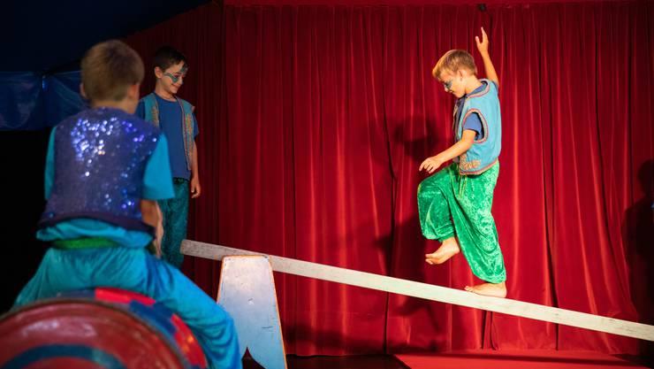 Die Jugendarbeit Wasseramt lud den Zirkus Wunderplunder nach Oekingen ein