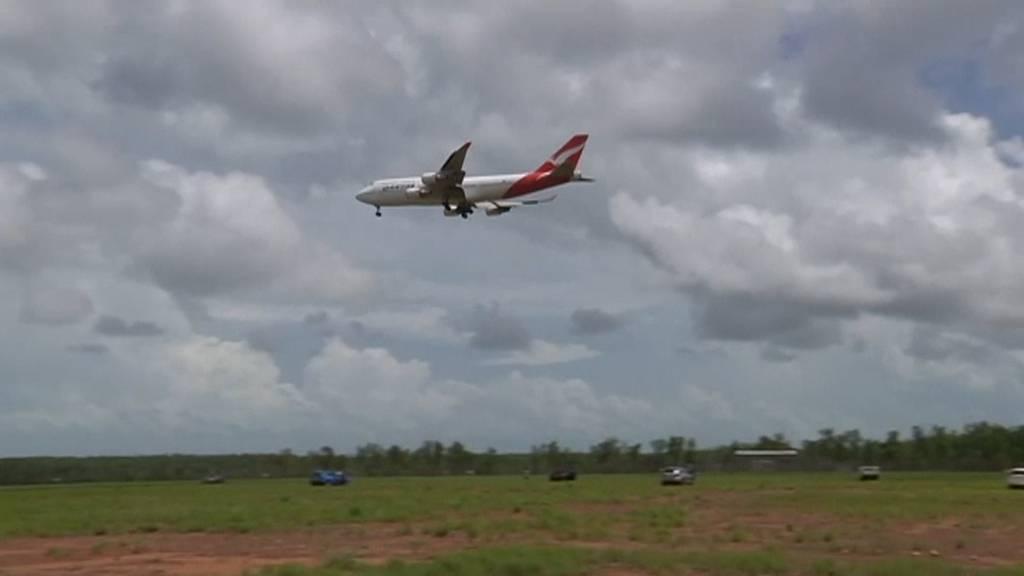 Hunderte per Flugzeug aus Wuhan evakuiert
