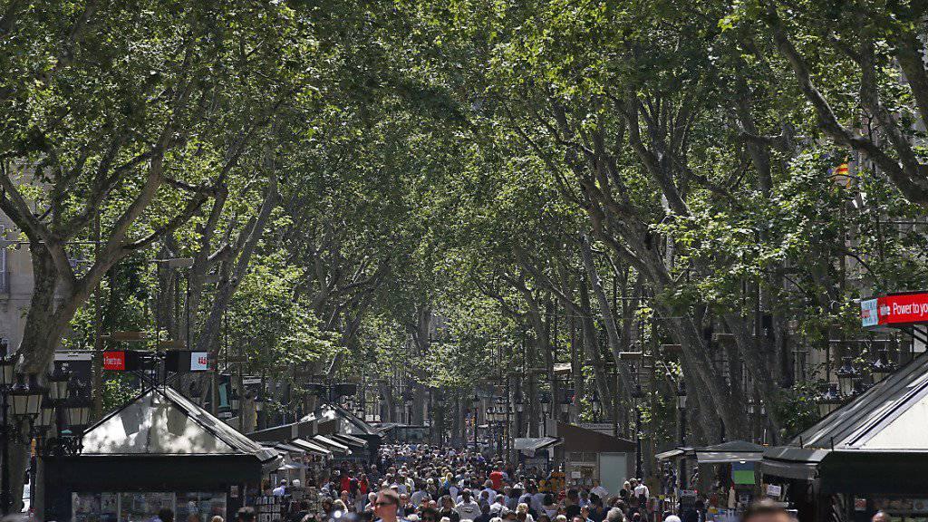 In den vergangenen Jahren ist die Kritik in Barcelona am Touristenboom lauter geworden. Die Stadt geht deshalb die Zimmervermittlungsportale vor, die ohne Genehmigungen Wohnungen an Touristen vermieten.